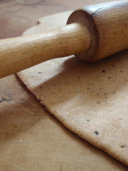 Wood/kahliya-logue